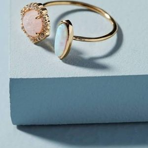 Anthropologie Ring, Pink quartz, gold, opal